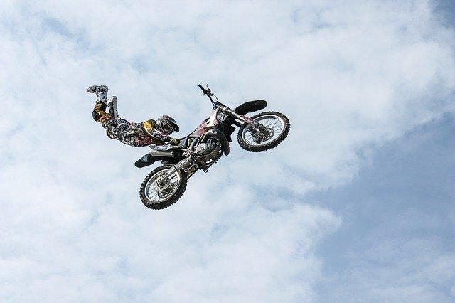 biker-384921_640