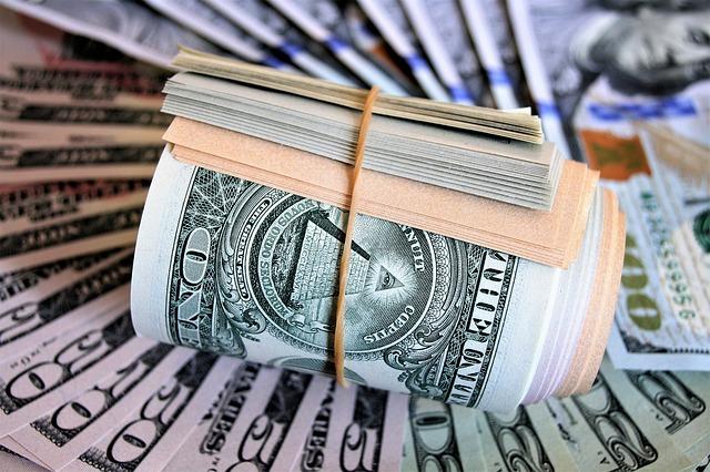 rulička dolarů