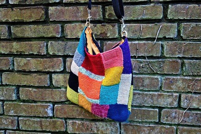 kostkovaná kabelka