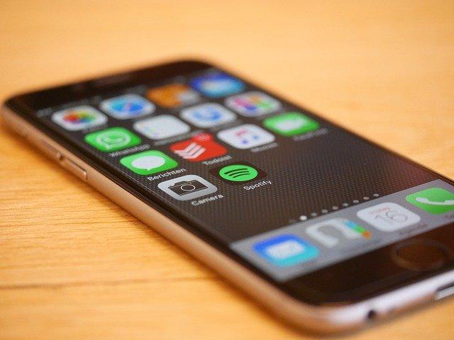 stříbrný iphone6